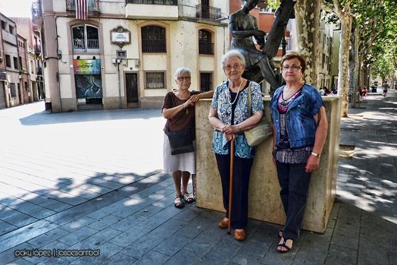 Maria Pugibet, Neus Colomé i Dolors Estragué a la Rambla de Sant Boi